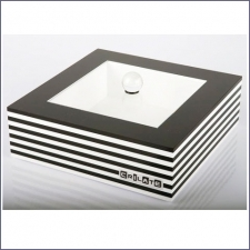 Acrylic Plexiglas Box Crilate White Median