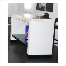 Tall Table Plexiglass Abelia