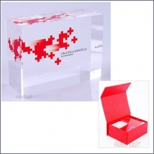 Acrylic Plexiglas Bloc Red Cross